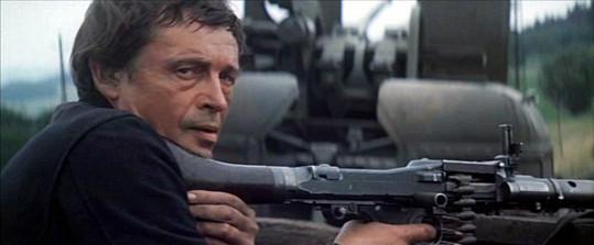 Ve filmu Zbraně pro Prahu (1974)