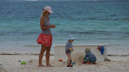 Lucie tuto oblast zná. Před lety zde hrála na White Beach Sensation Party na ostrove Ile aux Cerfs.