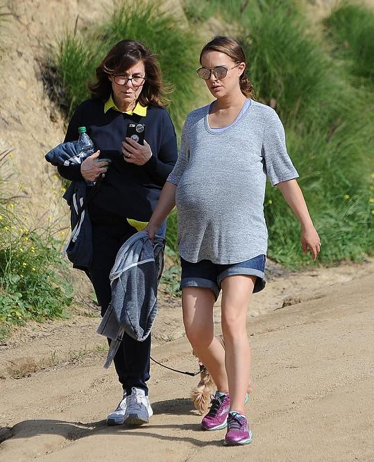 Natalie Portman na pravidelné túře po hollywoodských kopcích.