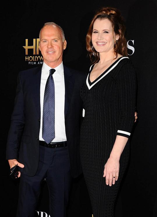 Takhle vypadají Geena Davis a Michael Keaton 26 let po uvedení legendární komedie Beetlejuice.
