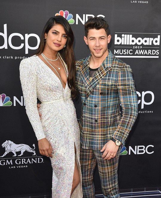 Priyanka Chopra se loni provdala za o 10 let mladšího Nicka Jonase.