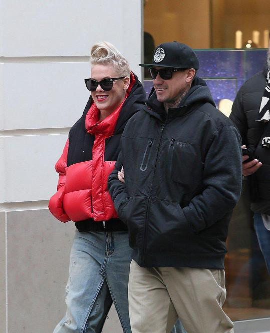 Pink a Carey Hart mají Willow a Jamesona.
