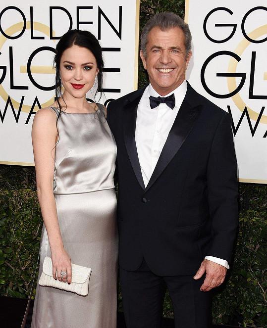 Ani Mel Gibson s rozséváním genů nešetřil. Letos mu partnerka Rosalind porodila deváté dítě.