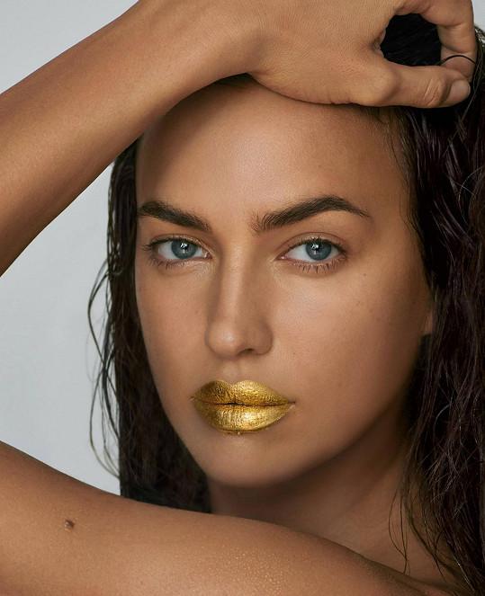 Módu zlatých rtů rozjela Irina Shayk.