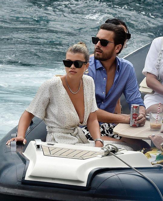 Na luxusní jachtě slavili narozeniny miliardářky Kylie Jenner.