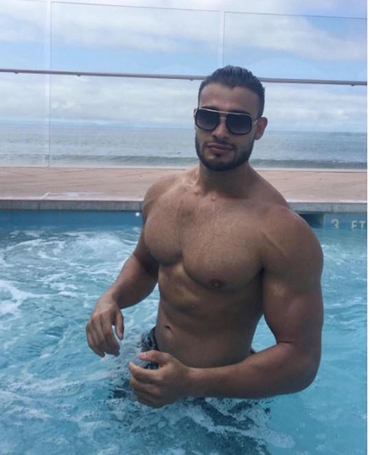 Její přítel, fitness trenér Sam Asghari, má na ni výborný vliv.