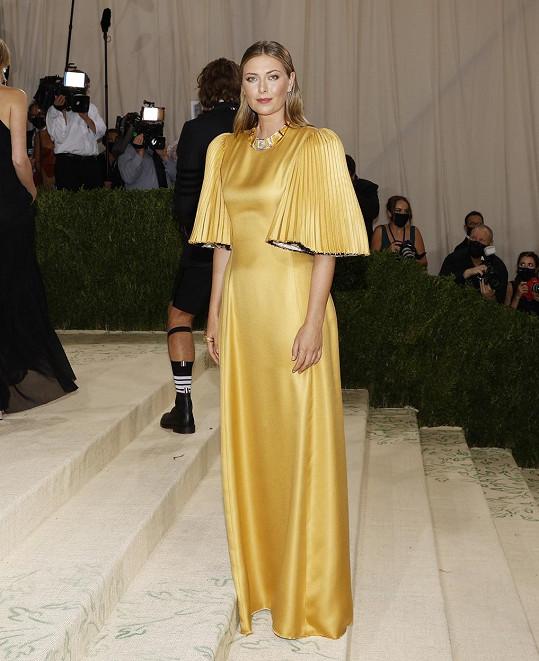 Maria Šarapovová zvolila šaty od návrhářky Gabriely Hearst.