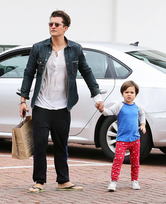Flynn s tatínkem Orlandem Bloomem