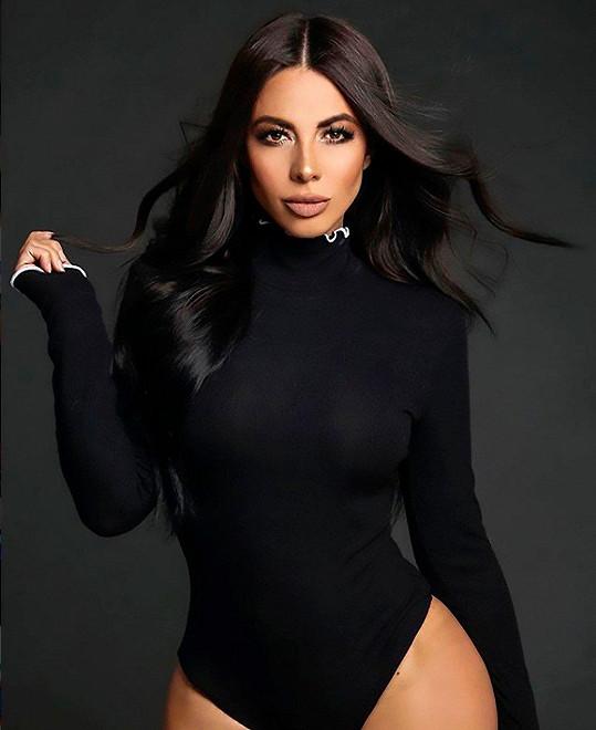 Jimena jako by Kim z oka vypadla.