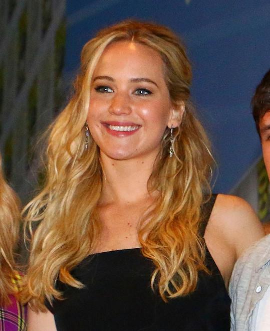 Ve 24 letech patří k největším hollywoodským hvězdám.