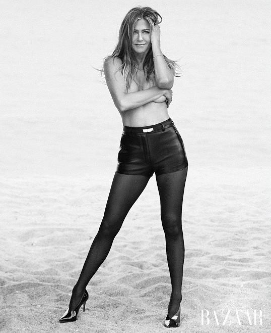 Silné černé nahé modely