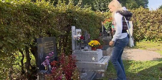 Jaroslava Stránská chodí pravidelně na hrob dcery Jany...
