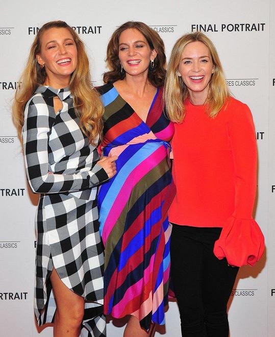 Felicity Blunt se sestrou Emily a další slavnou kamarádkou Blake Lively
