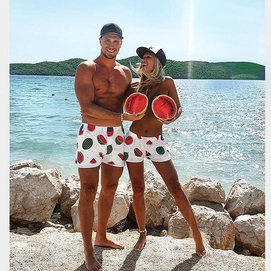 S přítelem v trenkách a s melouny