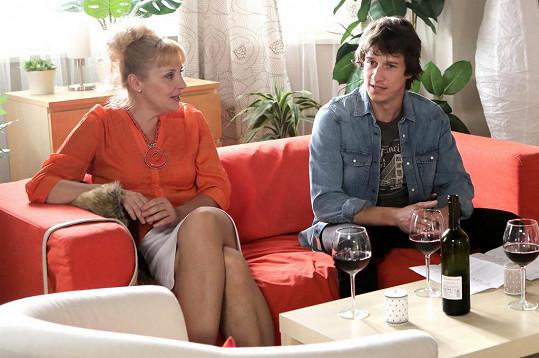 Martin Kraus a Veronika Gajerová hrají v primáckém seriálu bývalý pár, který spolu má utajovaného syna.