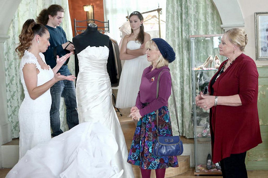 Coby krejčová ve svatebním salonu působila už dříve.