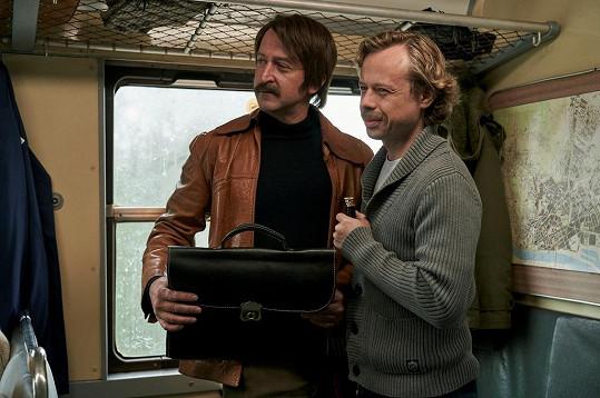 Martin Hofmann jako Pavel Landovský s Václavem Havlem v podání Viktora Dvořáka