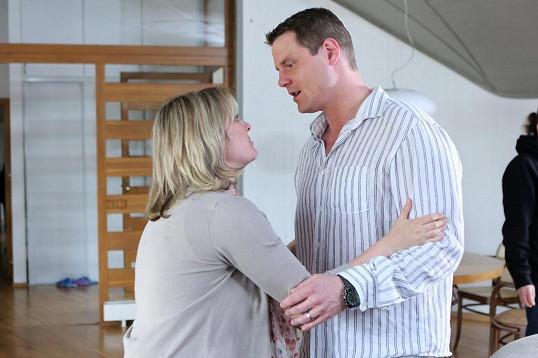 V seriálu hrají manžele Krejzovy.