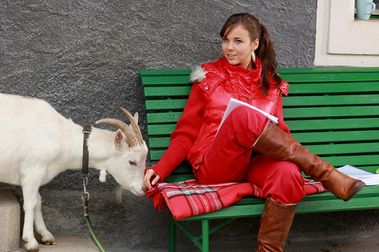 Koza jí slupla svačinu.