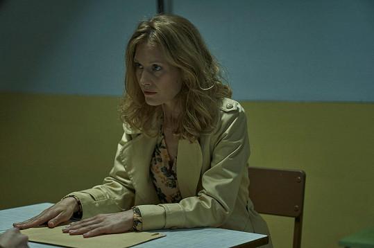 Kdyby měla herečka popsat svou postavu třemi slovy, byly by to přívlastky životaschopná, svéhlavá, zklamaná.