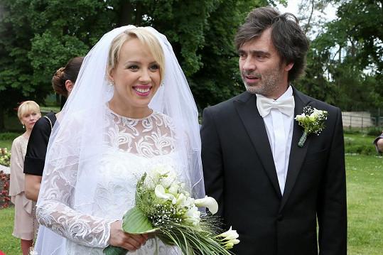 Petra Hřebíčková se vdala. Zatím jen v seriálu...