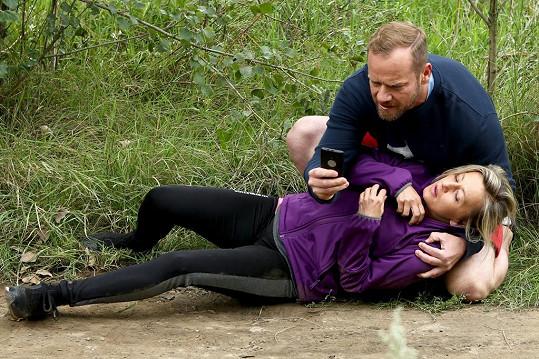 Vanda Hybnerová hraje v Přístavu pracovně vytíženou soudkyni.