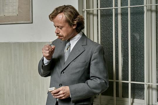 Viktor Dvořák je Václavu Havlovi neuvěřitelně podobný.
