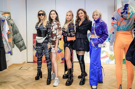Sharlota s dalšími influencerkami