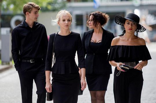 Zahrál si také vedle Jany Plodkové, Jitky Čvančarové a Lucie Siposové v seriálu Černé vdovy.