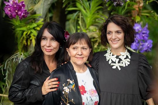Herečky (zleva) Nela Boudová, Lenka Termerová a Klára Issová.