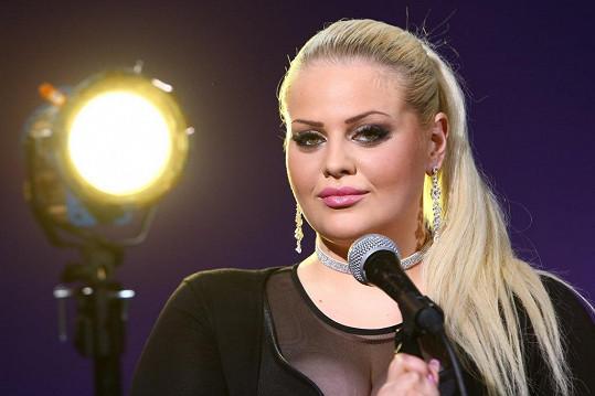Charlotte by se ráda stála úspěšnou zpěvačkou.