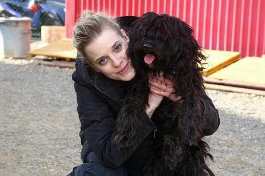 Také Sandra Černodrinská má doma psí miláčky.