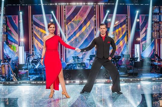 Ve druhém kole předvedla moderátorka tango.