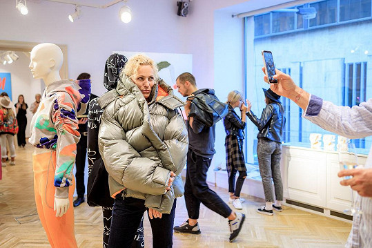 Některé kousky oblékla i modelka a filantropka Martina Šmuková.
