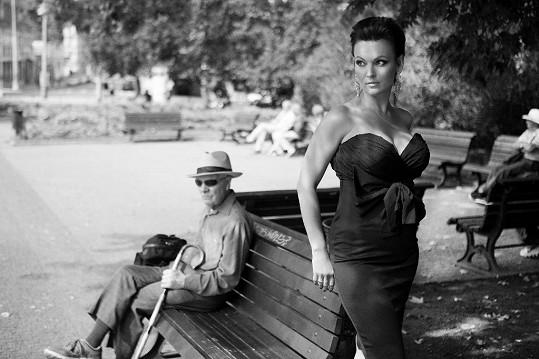 Daniela Révai je sexy i jako krátkovláska.