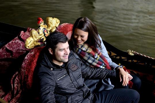 Martin je velmi romantický, zásnuby proběhly v Austrálii na pláži, v Praze ji vzal na gondolu.