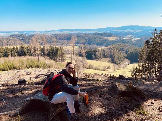 Vedle toho chodila Kamila na brigády do lesa.
