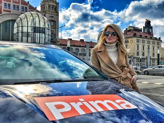 Lenku známe i díky její práci reportérky.