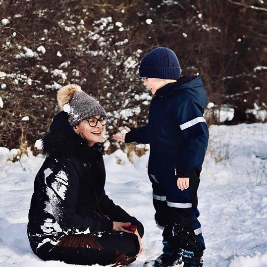 Monika Absolonová si s rodinkou dopřává relax na Šumavě.