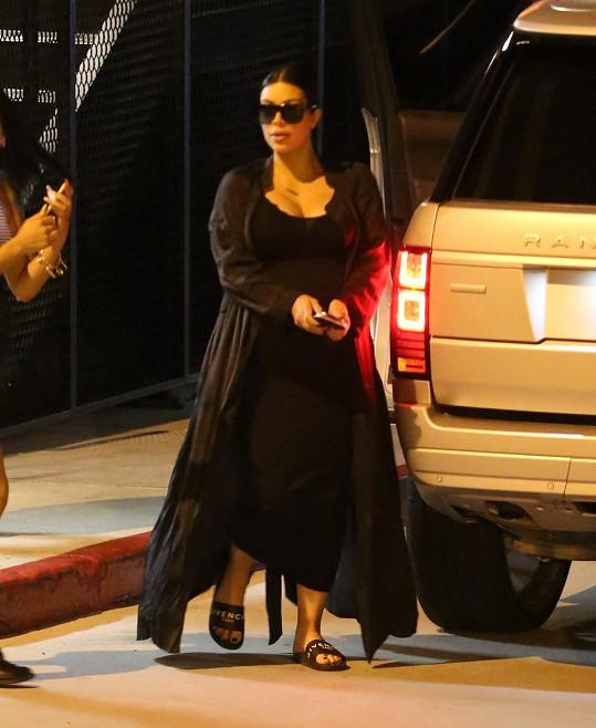 Kim vyšly tyto pantofle na bezmála sedm tisíc korun.