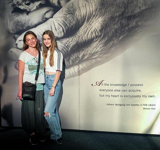 Lucie si s Amélii výstavu užila.