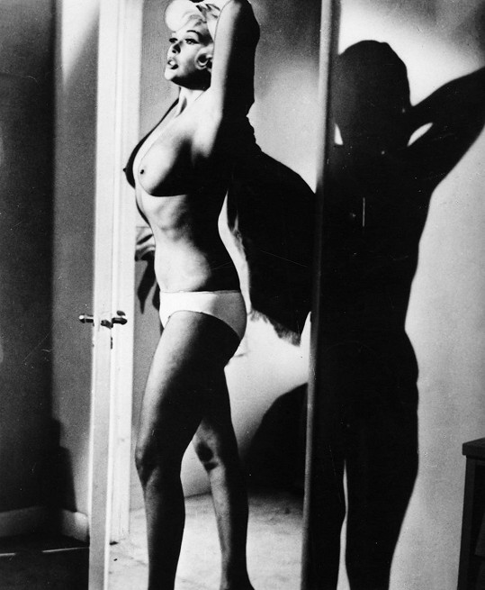 Jayne ve filmu Sliby! Sliby! (1963)