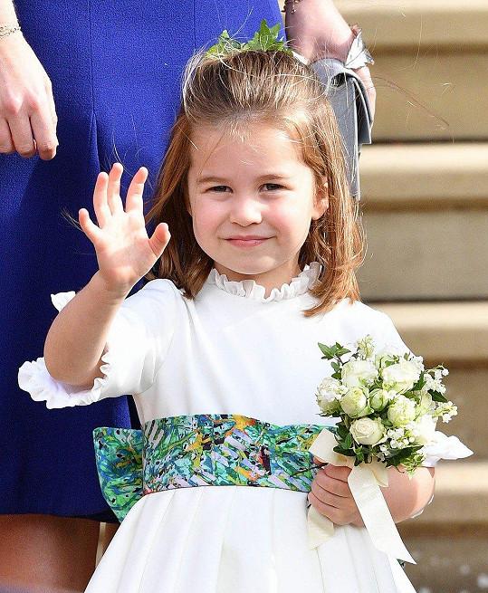 Dcera Williama a Kate Charlotte nemohla mezi družičkami chybět.