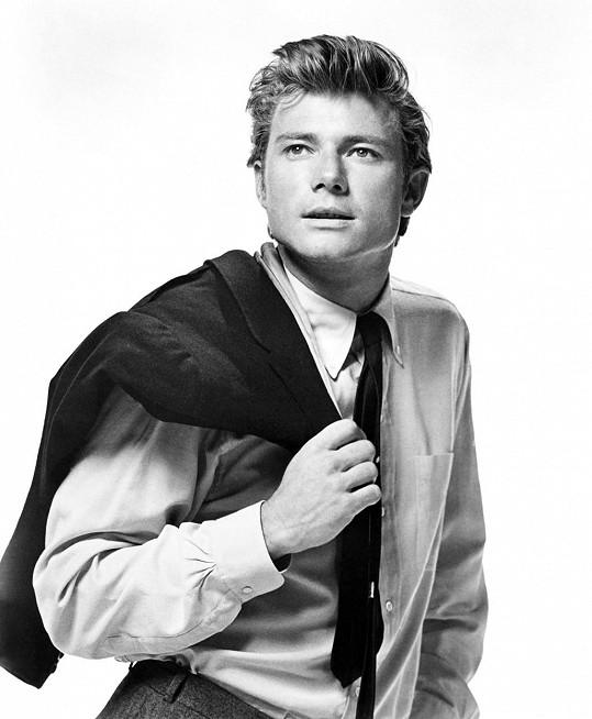 Michael Parks debutoval v roce 1965 filmem Bus Riley's Back in Town.