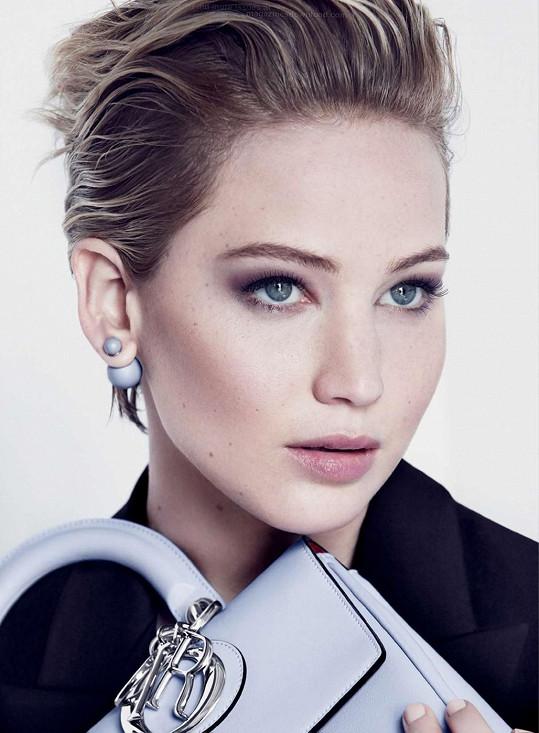 Jennifer Lawrence si vzali do parády stylisté.