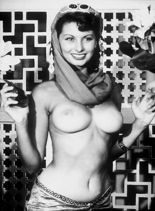 Sophia Loren ve filmu Due Notti con Cleopatra.