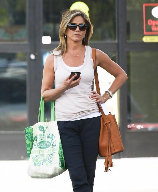 Jennifer Aniston ve svém posledním snímku nazvaném Svátek matek.