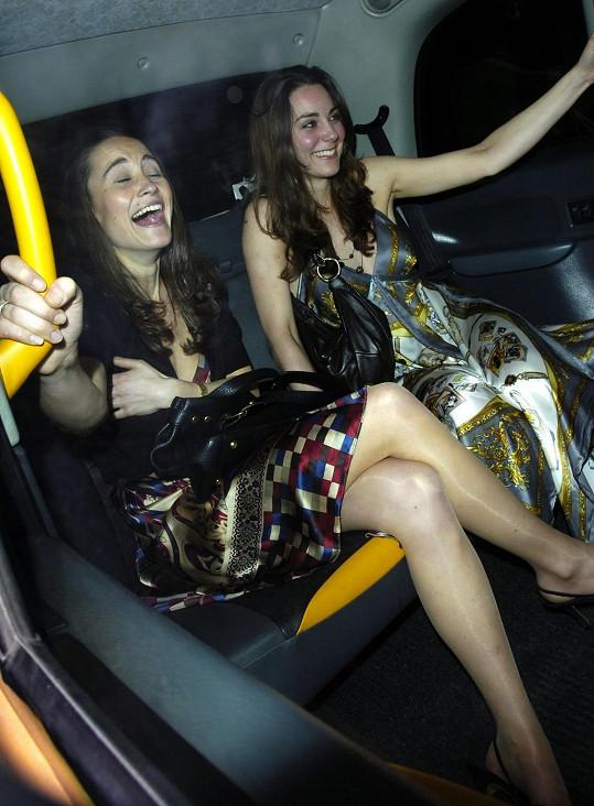 Se sestrou Pippou podnikala Kate svého času v Londýně bujaré večery.