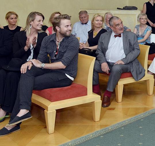 Kromě Aničky s přítelem dorazil na předávání i Karel Schwarzenberg, jenž se s Jírů také roky zná.