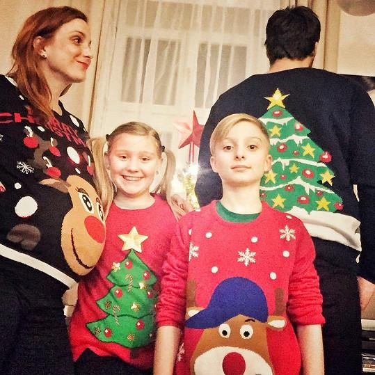 Svým dvojčatům letos pod stromeček nadělila ten nejkrásnější dárek.
